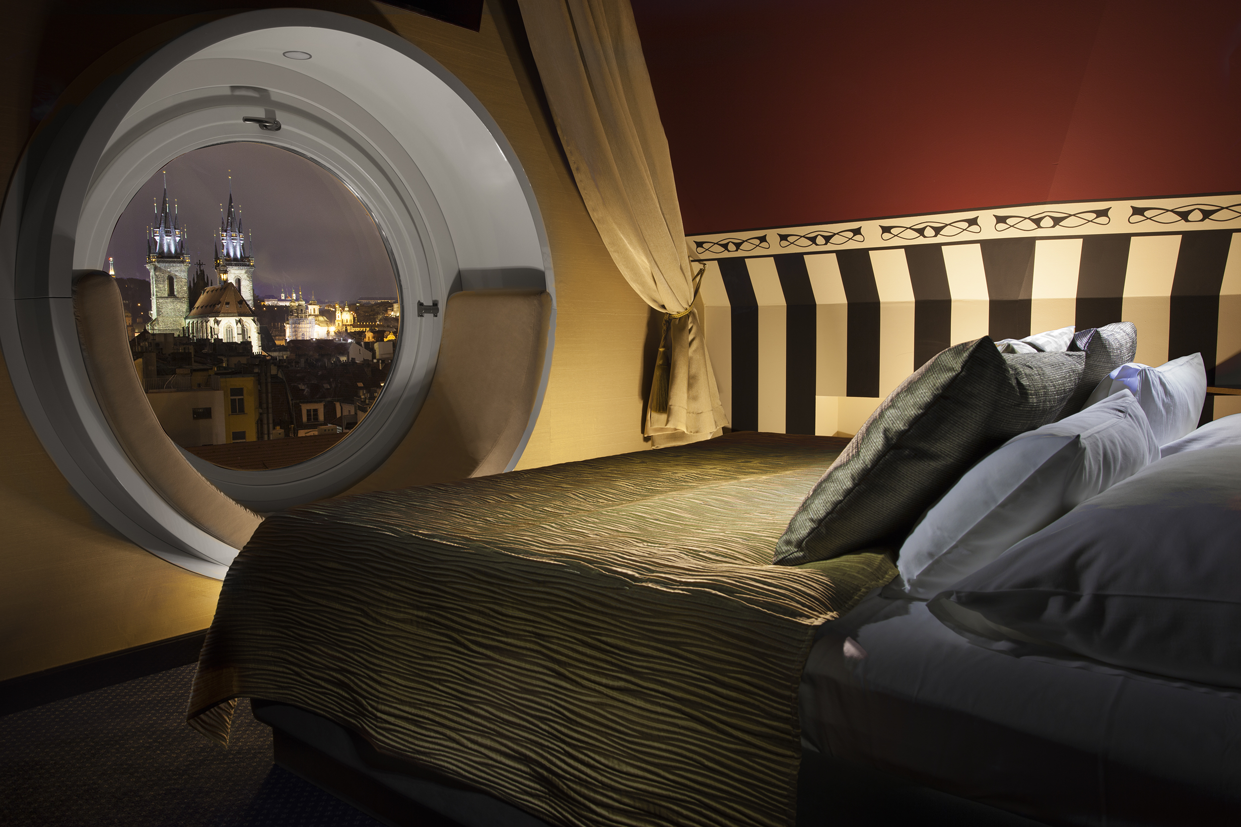 Tower-Suite_bed-view